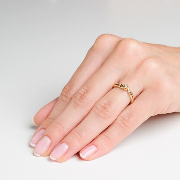 Złota Klasyka Na Zaręczyny Złoty Pierścionek Z Brylantem 003 Ct Hsi